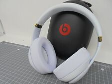 Used - Beats by Dr Dre Studio 3 Wireless - White and Gold - WBS1