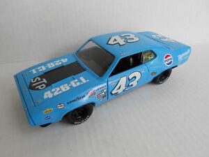 RICHARD PETTY #43 CUSTOM NASCAR 1972 PLYMOUTH GTX  / PEPSI / DIECAST 1/24