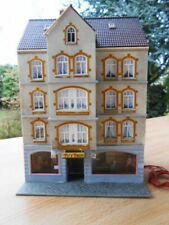 EXCELLENTLY DETAILED FALLER POLA HO MULTI STORY APARTMENT HOUSE w PUB **** EX