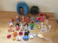 Roupas e acessórios para bonecas