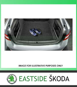 NEW GENUINE SKODA SUPERB WAGON ONLY DOUBLE SIDED RUBBER/TEXTILE BOOT MAT 2016>