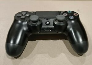 Official Sony PlayStation 4 Dualshock 4 Controller (PS4) - FREE POSTAGE