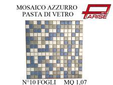 Mosaico miscelato rivestimento decorativo su rete in pasta di vetro azzurro