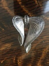 Form Of A Bow White Metal Brooch In