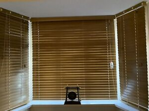 venetian blinds wooden