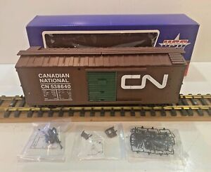 "USA TRAINS R72192 ART KNAPP PLANTLAND CANADIAN NATIONAL GREEN DOOR BOXCAR. ""G"""