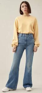 Levis Ladies Size 25W 34L Mid Indigo High Rise Flare Jeans