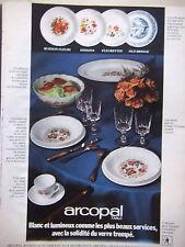 PUBLICITÉ DE PRESSE 1972 - GAMME SERVICE ASSIETTES ARCOPAL - ADVERTISING
