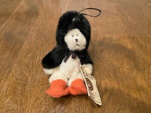 Boyds Bears Mini Jointed Bear Dressed as Penguin - Wee Waddlekins