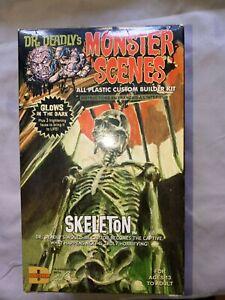 Moebius/Dencomm  Dr.Deadlys Monster Scenes Skeleton complete