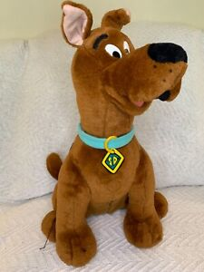 Thinkway 1998 Scooby Doo Talking Interactive Room Guard Plush Animal