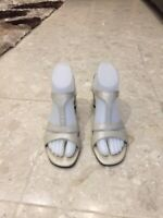 New Easy Spirit Womens Sandals Size 7 Leather Slip-On off white