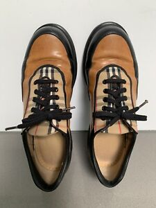 BURBERRY Wmns Approximate sz 7 Sneakers Golf Shoes Italy Plaid Great Condition