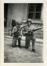 PHOTO ANCIENNE - VINTAGE SNAPSHOT - MILITAIRE ARME FUSIL CASQUE - MILITARY
