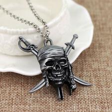 Halskette Fluch der Karibik Totenschädel Jack Sparrow Farbe Silber