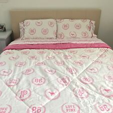PINK Victoriau0027s Secret Monogram Logo Bed Set, Full Queen White And Pink