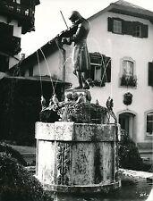 AUTRICHE c. 1950 - Fontaine  Statue Mozart Enfant  Sankt Gilgen - Div 11335