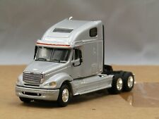 dcp silver Freightliner Columbia sleeper tractor 1/64 new no box