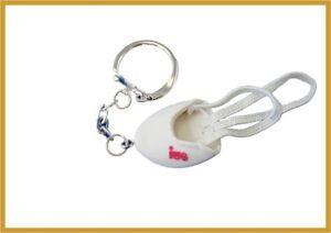 IWA - Schlüsselanhänger Gymnastikschuh oder RSG-Kappe, Geschenk Weihnachten