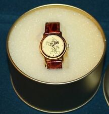 NICE RARE LADIES DISNEYLAND MICKEY MOUSE SECURITY QUARTZ WATCH CAST MEMBER