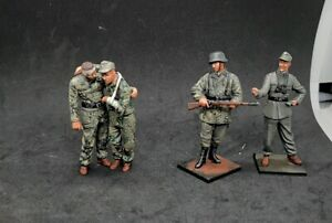 1/35 painted  German soldiers  4x