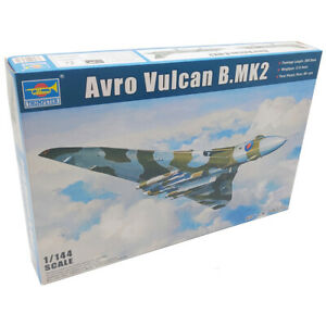 Trumpeter 03931 Avro Vulcan B.MK2 Bomber Military Aircraft Model Kit Scale 1:144