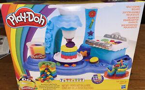 Play-Doh Rainbow Cake Party - New -Sealed
