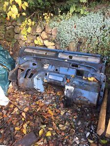 Land rover Defender 90 RHD 2.5 / 200tdi / 300tdi Bulkhead - Needs Work / Welding