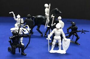 MPC Knights in Armor Black and White One Horse 1970's Vintage Toy Soldiers