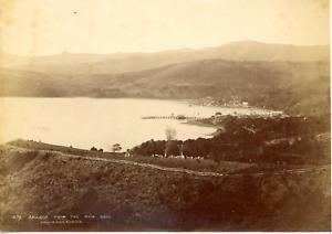 Nouvelle-Zélande, Akaroa from the Kaik road Vintage albumen print,  Tirage alb
