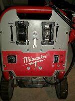 Milwaukee paint sprayer M4910-21 airless finish / w/o spray gun works great
