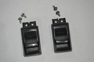 1994 Nissan D21 Hardbody Interior Door Handle Set w/Mounting Screws