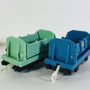 Thomas Train Trackmaster Cargo Dump Trailers Blue Green Sodor Lumber Lot of 2
