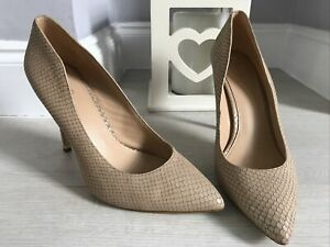 Michael Kors Beige Nude Leather Snake Skin Pointy Court Shoes Pumps Sz 7.5