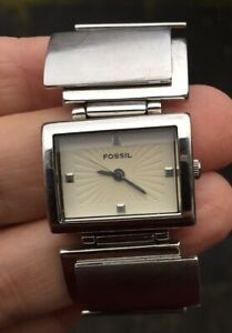 LADIES FOSSIL F2 ES-1865  STAINLESS STEEL STRAP WATCH FULLY RUNNING SMALL STRAP