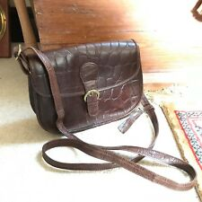 CLARKS DARK BROWN LEATHER MOCK CROC SADDLE MESSENGER BAG HANDBAG