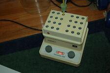 Eppendorf thermostat heat block dry plate hot lab dri-bath 5320 incubator nm