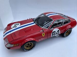 Ferrari 365GTB/4 diecast model race car Daytona Red No. 64 1:18th Kyosho 8163A