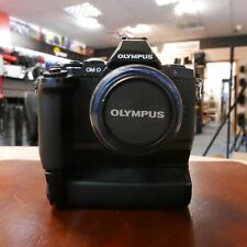Used Olympus OM-D E-M5 + Grip + 14-42mm MSC R II (16015 actuations) - 1 YEAR GTE