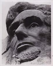 Abraham Lincoln *Mt. Rushmore* Rare Vintage 1975 Iconic Presidential press photo