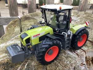 1/32 scale Universal Hobbies Claas Xerion 3300 trac VC Tractor traktor tracteur