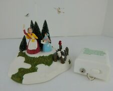 Dept 56 New England Village Animated Feeding the Birds #57114 Good Condition