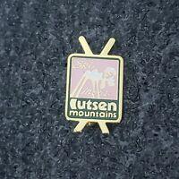Ski Lutsen Mountains Skiing Pin Minnesota MN Resort Lapel vtg