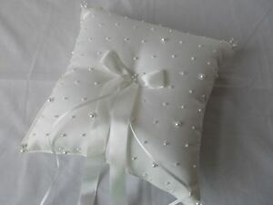 NWOT Wedding Ring Pillow WHITE 9X9 DRAPED RIBBON Ceremony Bearer Faux Pearls NEW
