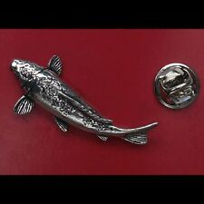 English Pewter KOI CARP Fish Pin Badge Tie Pin / Lapel Badge (XTSBPF28)