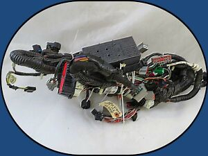 2009-2011 Crown Victoria Marquis Under Hood Main Relay Center Wiring Harness OEM