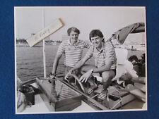 "Original Press Photo - 10""x8"" - Bobby Robson & Bryan Robson - 1985 - Los Angeles"