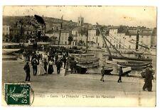 CPA 13 Bouche du Rhône Cassis Le Dimanche L'Arrivée des Marseillais animé bateau