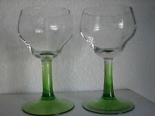 Paar antiker Weinrömer, weiss und grün, 0,2l original Art Deko