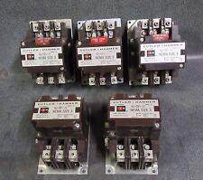 (1) CUTLER HAMMER C10EN3 NEMA SIZE 3 CONTACTOR 90 AMP 600V 3 PHASE 110-120V COIL